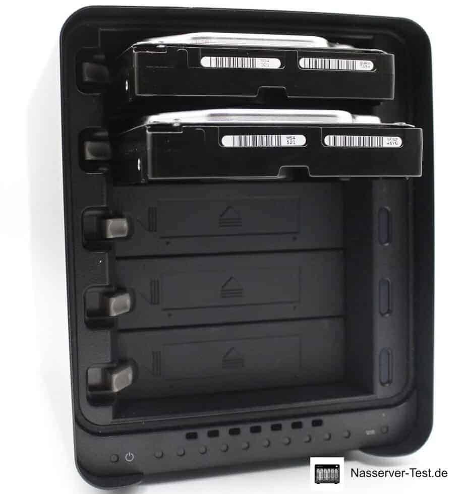 Drobo 5N2 Front mit 2 Festplatten
